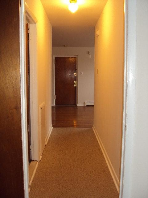 Arendell Hallway to living room