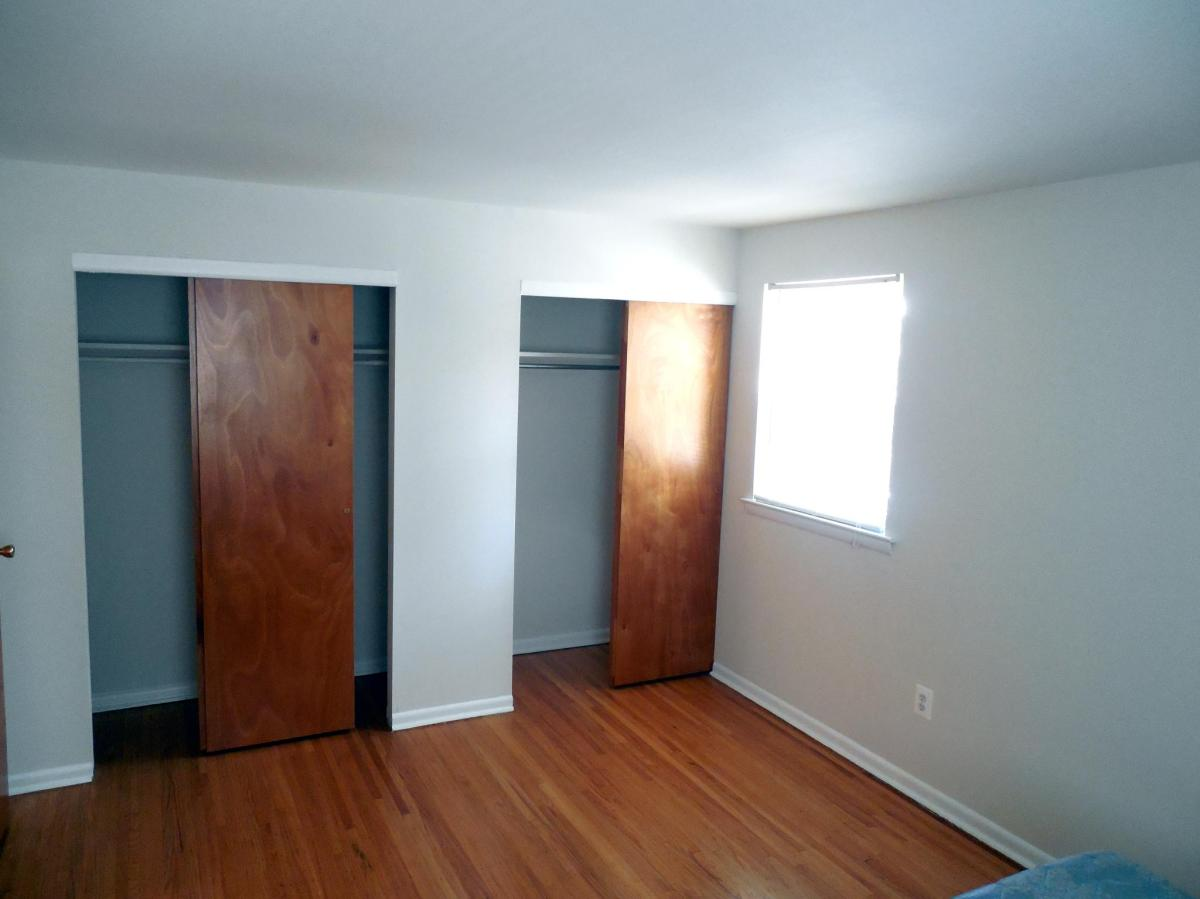 Fox Chase Bedroom Closets